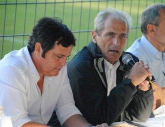 Sport Toulon - Le nouvel actionnaire majoritaire du Sporting Club de Toulon, Claude Joye, et le maire de la ville, Hubert falco, lors de l'assemblée Générale.